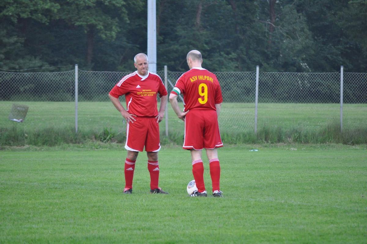 Jörg und Andree besprechen sich für den Anstoss